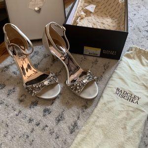 Badgley Mischka Women's Bankston Ivrsat Heel